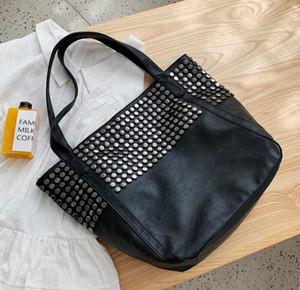 Designer Femmes oversize Sac à main de luxe Rivet Casual Sac PU Lady grande capacité Sacs à bandoulière Voyage sac à main / 55