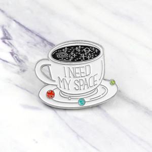 """Copo de café branco """"Eu preciso do meu espaço"""" carta broche especial de desenhos animados criativo lapela denim emblema pins"""
