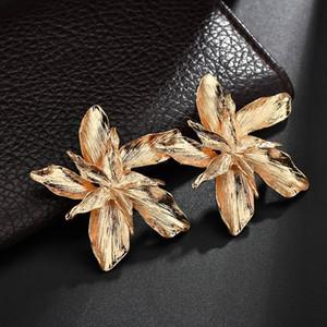 Elegance Big Flower Dangle Boucles d'oreilles Boucles d'oreilles pour les femmes Trendy Goujons Floral Métal Or Argent Fashion Party Bijoux Cadeau Pendientes