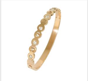 Mode Roman Muster durchbrochene Diamant-Armband Titan Stahl Rose Gold-Diamant-Edelstahl-Armband