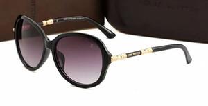 Gafas de metal de lujo para mujer de verano. Gafas de sol para adultos. Diseñador de moda. Gafas negras. Chica con 3017.