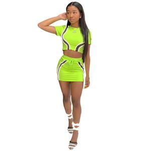 Femme Summer 2Pcs Robe Femme lambrissé Slim Sport Set Fashion Designer Ladies Robe d'été Femmes réfléchissant
