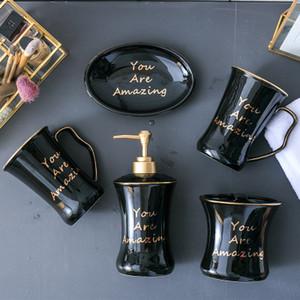 Informar a la luz de lujo de cinco piezas de baño de cerámica Set estilo europeo baño desinfectante de la mano Botella Suite de envío