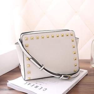 Горячие производители оптовой дизайнер роскошных сумок кошельки крест заклепки шаблон сумка пу сумка женских сумки