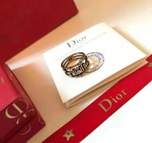 de manera personalizada anillos de latón de lujo anillos europeos y americanos de tres anillos con diamantes incrustados cartas son un éxito