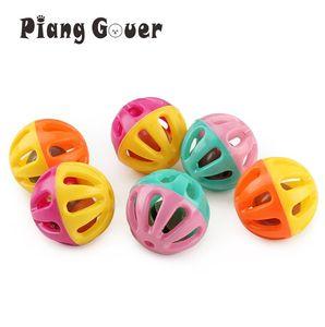 Juguetes de la bola 20pcs de juguete de plástico para mascotas pequeñas bolas de Bell del gato de juguete ahueca hacia fuera el gato Para gatito