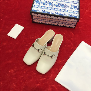 Женщины Классических кож плоских тапочек Причинно Обувь скольжению на сандалии для леди выбора различных цветов половины туфли с коробкой