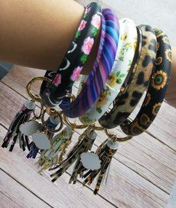 Hot Selling Enamel Monogram Blanks Quatrefoil Pu Leather Big O Keyring Bangles Bracelets for Women Leather Tassel Pendant for Car Keychain