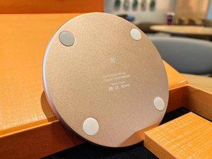 Designer Cell Phone Designer Wireless Charger Pad di alta qualità caricabatterie cuffia senza fili del caricatore universale Pad ricarica