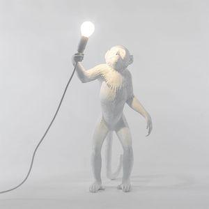 Salon Yatak odası Çalışması Ev Dekorasyonu Zemin Işık FA020 için Modern Reçine Maymun Daimi Lambası LED Ampul