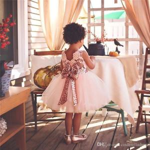Vestidos Tutu consideravelmente bonito de blush rosa Meninas com Big lantejoulas Bow Tulle inchado Meninas Bola de vestidos para festa de casamento MC0641