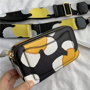 2020 nueva mini cámara individual de hombro del diseñador de moda bolsa bolsa de mensajero mini portátil de cuero de la correa de hombro ancha del multicolor de Monedero
