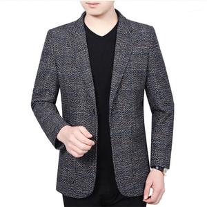 Lambrissé Lapel Neck Slim Vestes Printemps Automne Plaid Mens Blazers Styliste-vêtement avec un seul bouton Homme