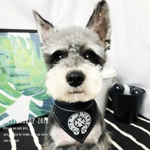 Pelle Marea lettera di modo ricamo all'ingrosso del cucciolo del cane del collare dell'animale domestico Handmade Pettorali Carino cane del modello del gatto Bandana