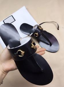 가죽 끈 샌들 여성 럭셔리 Desinger 슬리퍼 패션 얇은 검은 색 플립 플롭 브랜드 신발 Ladie 흰색 신발 샌들 지느러미 GGShoes A02