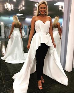 Boncuklu Kanat Sweetheart Gelinlik Modelleri Özel Durum Kadınlar Wear ile 2020 Siyah Pantolon Suit Beyaz Overskirts Akşam Partisi Örgün Önlükler