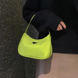 New Color Fashion Doce Lua Nova Embalagem sacos para as mulheres 2019 de alta qualidade Nylon bolsa Baguette simples retro ombro saco