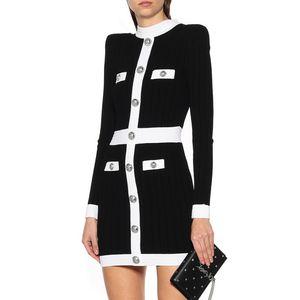 Diseñador de las mujeres estiramiento suéter de lana de vestir Tejidos 2019 Otoño Invierno Marca mismo estilo del botón de cuello redondo ajustado de León Vestido de punto con cremallera