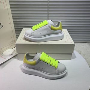 2020 New Top Hot quality Luxurious Designer Shoes Fashion Women Shoes Leather Lace Up Platform Sole Sneakers Illusory color Casual Shoes h7