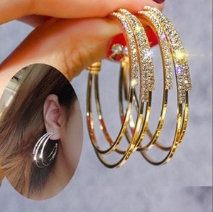 / Altın Renkli Yuvarlak Çember Döngü Küpe Parti Hediye Kadınlar Tablosu Büyük Gümüş için Yapay elmas Hoop Küpeler Exaggerated Moda C Şekli