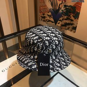 상자 인기있는 새로운 여성 문자 인쇄 캔버스 페도라 모자 빨간 모자 숙녀 모자 유럽과 미국 스타일로 2020 고품질