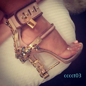 Sandalia Feminina Luxury Metal High Heel Crystal Designer Woman PVC Gladiator Sandals Padlock Bejeweled Ankle Strap Rhinestone Sandal. ct33