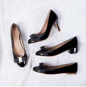 Bas prix récent Femmes Flats Chaussures de marque Véritable ballet en cuir femme en cuir verni Bow Tie Designer Flats Ladies Zapatos Mujer Sapato Femi
