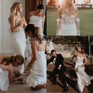 Abiti da sposa a sirena di Boho del paese 2019 Sweetheart Lace Beading Disossamento floreale 3D Beach Party Bridal Dancing Train Wedding Gown