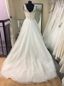 New 2019 church white ivory v-neck sleeveless bridal gown beach party, multi-tiered mesh dress, backless gown
