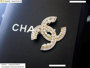 Cadeau de Noël Nouveau Pearl diamant Opal décorations Broche Fleurs Métal Bijoux avec la boîte