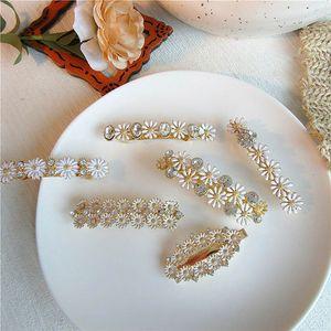 Ins femmes perle douce clips cheveux clips cheveux concepteur de cristal Boutique accessoires fleurs princesse de barettes cheveux pour les femmes BB pince B1005