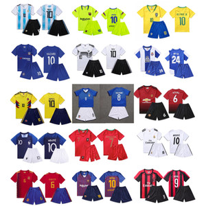 Kids Designer jersey Tracksuit Fashion Football Team Sports Set Luxury Boys T Shirt+shorts for Outdoor Activities Breathable Two-piece Set