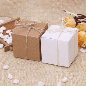 50pcs Kraft Papier-Süßigkeit-Kasten quadratische Form Hochzeitsbevorzugungsgeschenk Partei-Versorgungsmaterial Verpackung Beutel mit Burlap Twine Chic