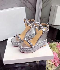Sıcak Satış-Sandalet Bayan CataclouSandals Kama Perçinler Bilek Kayışı Dikenler Dikenler Kadınlar \ 'ın Sandalet Seksi Yüksek Topuklar