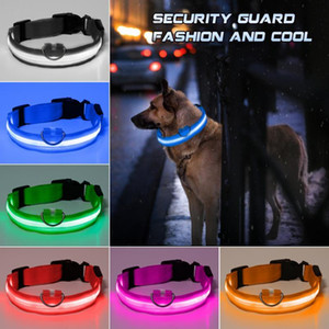 Nueva Moda LED Nylon Cuello Perro Dog Cat Harness Flashing Lighting Up Up Night Safety Pet Collars Multi Color XS-XL Tamaño Accesorios de Navidad
