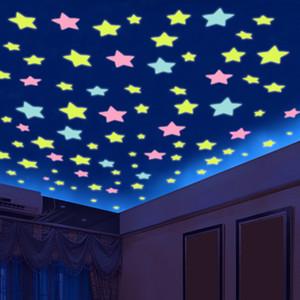100 unids 3D Stars Glow In Dark Luminous Fluorescente de plástico etiqueta de la pared decoración para el hogar wallpaper decorativos decorativos especiales Festivel