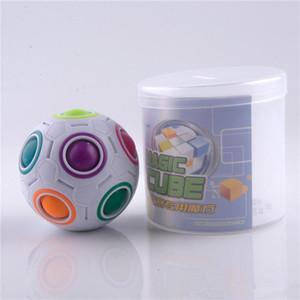 Hot esférico Magic Cube brinquedos novidade bola do arco-íris Futebol enigma Cubos de Aprendizagem Brinquedos Educativos Para Crianças Crianças K104