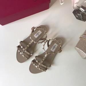 valentino 2019 En Kaliteli Moda Lüks Tasarımcı Ayakkabı Vlt Perçinler Hakiki Deri Sandalet Kadın Rahat Marka Ayakkabı Büyük Boy 35-41