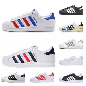Adidas 2020 أصول سوبر ستار الأبيض الهولوغرام قزحي الألوان رمادي الذهب النجوم 80S الكبرياء أحذية رياضية سوبر ستار النساء الرجال الرياضية الاحذية يورو 36-45