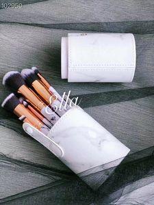 2019 new Makeup Brand Look In A Box Basic Brush 10pcs set brushes set with Big Lipstick Shape Holder Makeup TOOLS good item