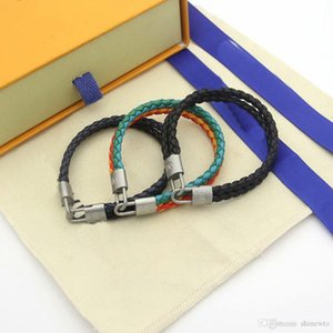 Fashion Brand Named Bracelets Lady Women V Letter Double Color Braided Rope Design Leather Woven Cord Bracelet Bangle