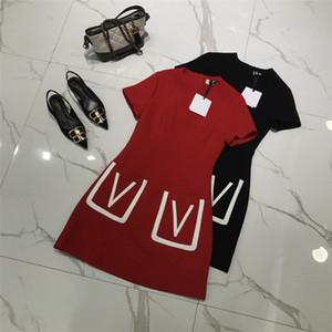 Tasarımcı 2019 Şarap Kırmızı / Siyah Kısa Kollu kadın Elbise Milan Pist V Cep Vestidos De Festa 201901