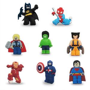 MOQ = 25PCS Superheld Hot Moive PVC-Karikatur-Abbildung Icon-Brosche Abzeichen Netter Pin-Knopf-Abzeichen Button Schulranzen Kleidung Cap Dekoration
