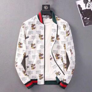19 İtalyan lüks moda marka üst uzun kollu kapüşonlu ceket erkek rahat rüzgarlık ceket kaplan baskı erkek giyim M-3XL