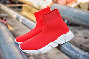 2019 nouvelle mode des femmes des hommes de qualité des chaussures en tricot Socquettes Haute vitesse de course Runners blanc noir Slip-on triple s Souliers simples