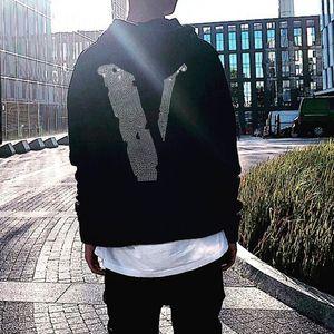 Vlone T-shirt 19SS brillant diamant Sweats à capuche Mode Hommes Femmes Rue Lettres Couple Sweatshits Casual Top qualité mondiale HFHLWY012 Xshfbcl
