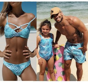 Beachwear Família Roupas Combinando Mãe Filha Roupa de Banho Dad Son Swim Shorts Mommy e Me Bikini Bath Maiôs Look Outfits
