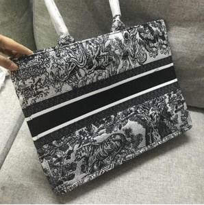Deisigner shoulder bag for women Chest pack lady Tote chains handbags presbyopic purse messenger bag designer handbags canvas wholesale