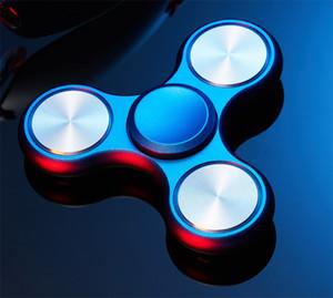 Tri-Spinner Metal El Spinner Küp İçin Otizm Ve DEHB Parmak fidget Spinner Gyro Karşıtı Stres Oyuncak Uzun Spin Zamanda Rulman yoğunlaştırın