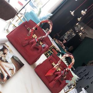 Women Designer Handbags FF Brand New Fashion Good Quality Leather Crossbody Shoulder Bags Purses TOTE Travel Shopping Bag